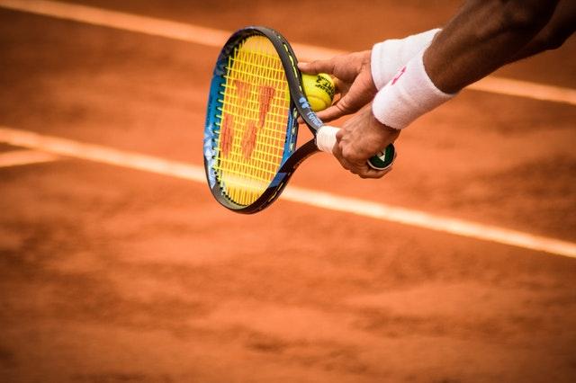 Łokieć tenisisty – najczęstsze objawy i metody leczenia