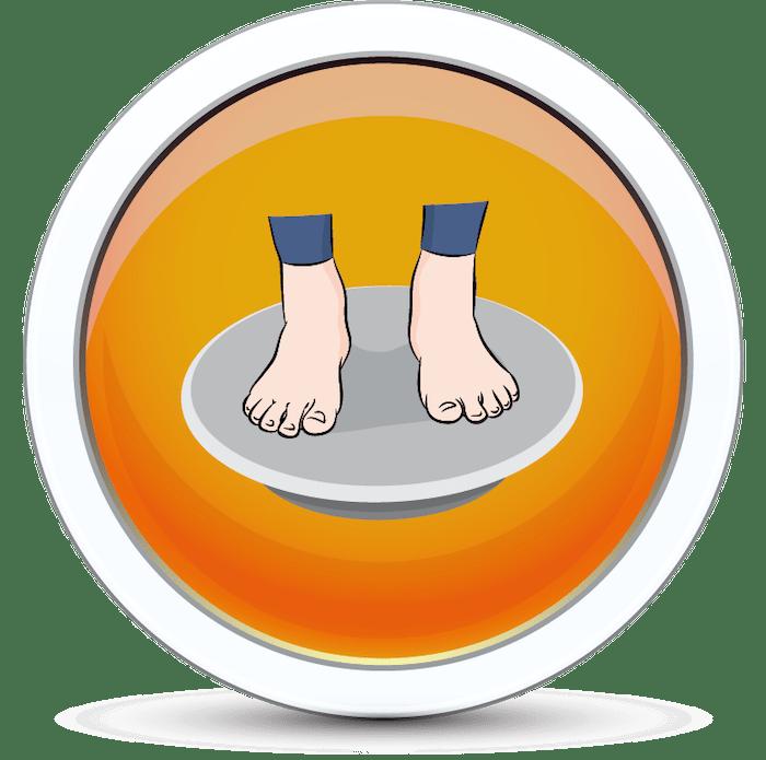 Wykonywanie ćwiczenia na wzmocnienie stawów na platformie balansowej