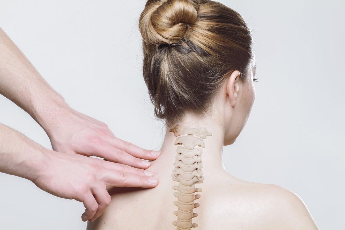 Ból kręgosłupa – przyczyny i leczenie