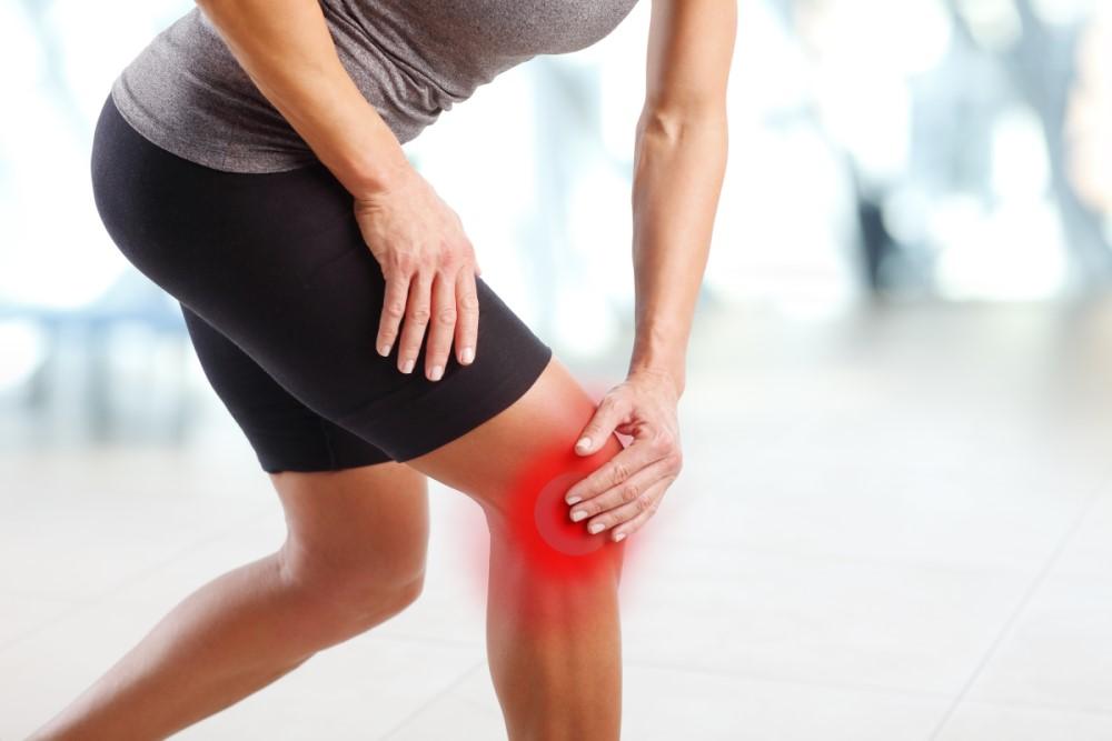 Stłuczone kolano – jak radzić sobie ze zbitym kolanem?